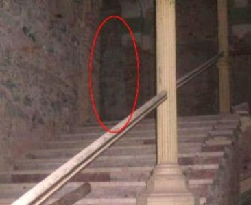 Real Ghost Pictures - Mostly GhostsMostly Ghosts